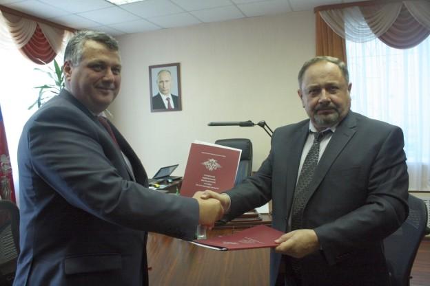 Региональный уполномоченный Курганской области Игорь Клепинин закрепил партнерские отношения с УФМС России по Курганской области
