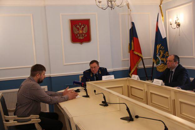 Совместный прием предпринимателей провели сегодня прокурор Курганской области Андрей Назаров и Уполномоченный по защите прав предпринимателей Алексей Чуев